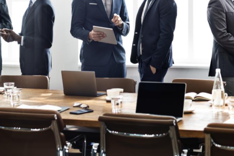 Zadaniem zespołu jest wypracowanie i wdrożenie modelu pilotażowego wdrożenia opieki farmaceutycznej. (fot. Shutterstock)