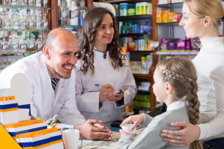 Wprowadzenie do aptek refundowanej opieki farmaceutycznej usprawni cały system ochrony zdrowia. (fot. Shutterstock)