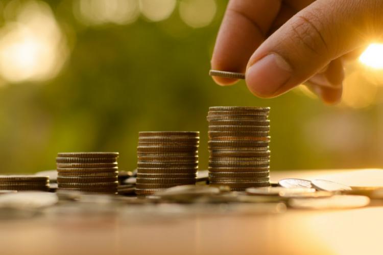 Na bardzo wysokie wynagrodzenia mogą liczyć pracownicy aptek m.in. w województwie mazowieckim (fot. Shutterstock)