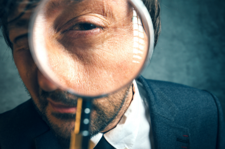 Do tej pory inspektorem GIF mogła być wyłącznie osoba, która legitymowała się zatrudnieniem w podmiotach prowadzących obrót hurtowy. (fot. Shutterstock)