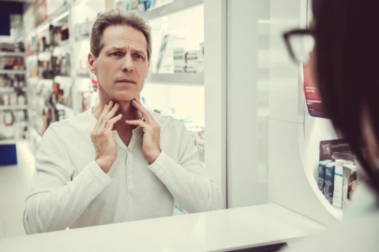 Pacjent powinien mieć w aptece zagwarantowane prawo do tajemnicy informacji z nim związanych. (fot. Shutterstock)