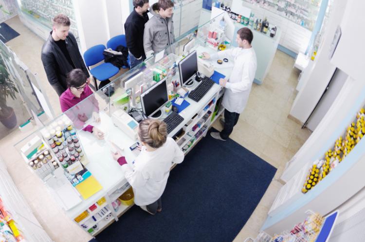 Tylko w dwóch województwach liczba farmaceutów przewyższała liczbę techników - pomorskim i lubuskim (fot. Shutterstock)