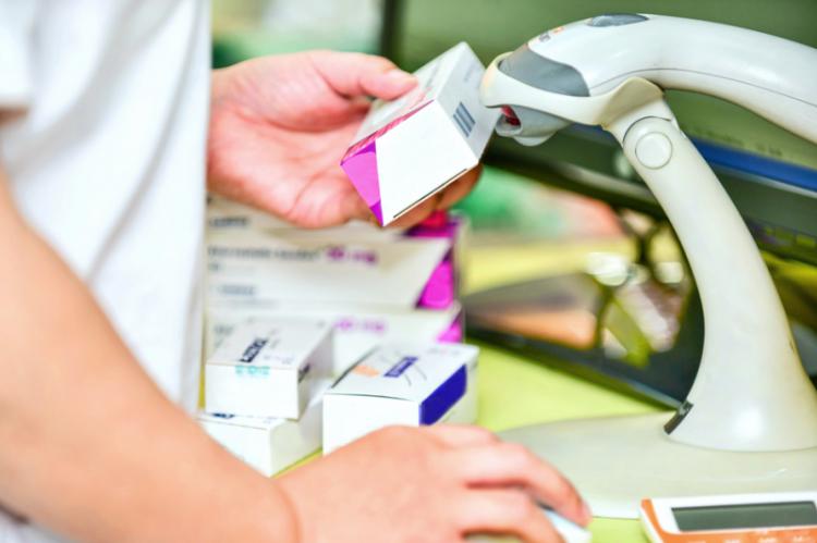 W dokumencie, zdaniem NIA, rola farmaceutów w kontekście poprawy zdrowia publicznego oraz sprawowania opieki farmaceutycznej, została potraktowana w sposób zbyt szczątkowy (fot. shutterstock)