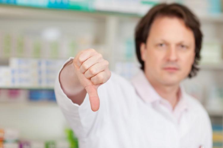 Naczelna Izba Aptekarska apeluje o uchylenie poprawki zezwalającej na wysyłkową sprzedaż leków na receptę (fot. Shutterstock)