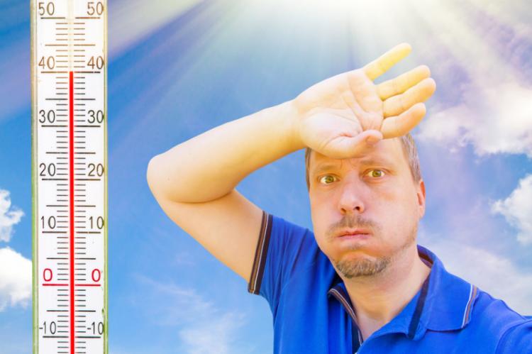 Upały mogą zwiększać toksyczność lub/oraz zmniejszać efektywność stosowanych leków. (fot. Shutterstock)