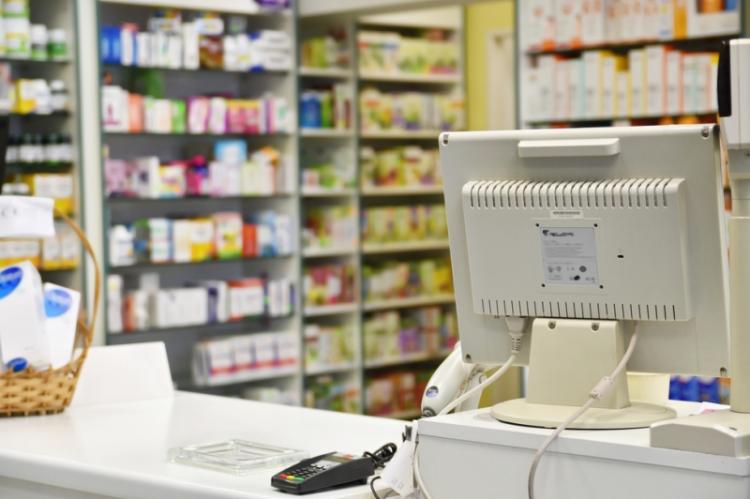 Bez aptek ani nie wejdzie w życie e-recepta, ani nie da się mieć kompleksowej ochrony zdrowia. Wydaje mi się, że resort zdrowia - a więc i rząd -  to zrozumiał. (fot. Shutterstock)