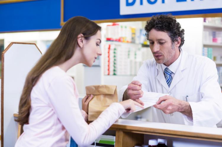 Obecnie produkty z zapotrzebowania może odebrać wyłącznie osoba posiadająca pisemne upoważnienie od kierownika podmiotu leczniczego, gdzie wystawiono zapotrzebowanie (fot. Shutterstock)