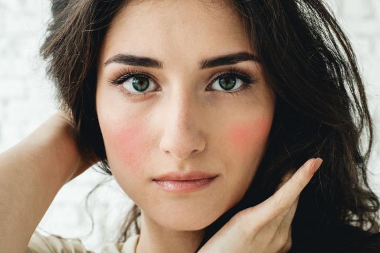 Podstawowe zasady doboru dermokosmetyków są uniwersalne dla każdego typu cery (fot. Shutterstock)