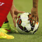 Hiszpański piłkarz pomaga w rodzinnej aptece w czasie epidemii